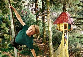 WOW Park med vilde oplevelser ligger tæt ved Bindesbølgård Ferielejligheder